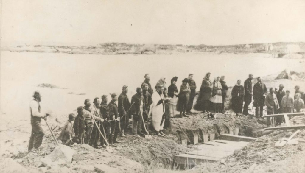 Burial service of victims of wreck of RMS Atlantic, at Lower Prospect, Halifax County, Nova Scotia, Canada, April 1873